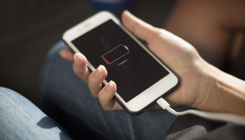 ¿Cómo carga el celular ? Le mostramos la forma correcta